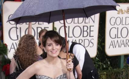 Golden Globe Fashion Face-Off: Tina Fey vs. Jenna Fischer