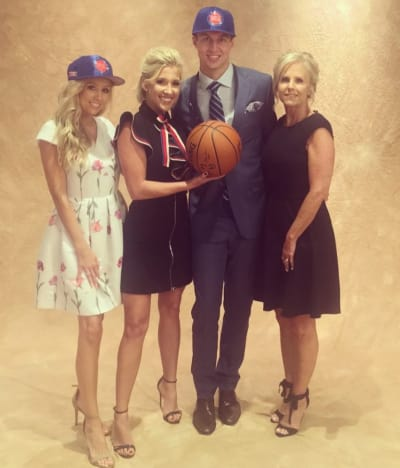 kennard online dating Savannah chrisley confirms she's dating nba player luke kennard: 19, took to instagram on thursday to confirm that she's dating basketball player luke kennard.