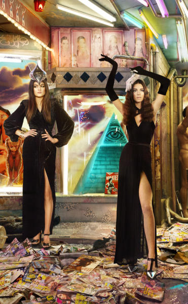 Kylie and Kendall Jenner Christmas Card Photo