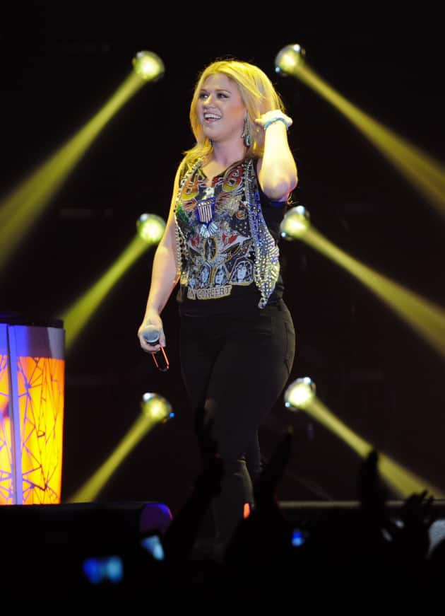 Kelly Clarkson London Concert Pic