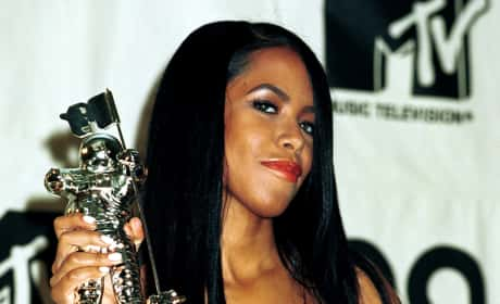 Beyonce Remembers Aaliyah, Posts 2000 VMAs Interview