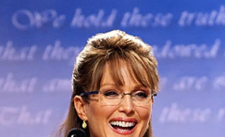 Sarah Palin or Julianne Moore: Who'd you rather ...