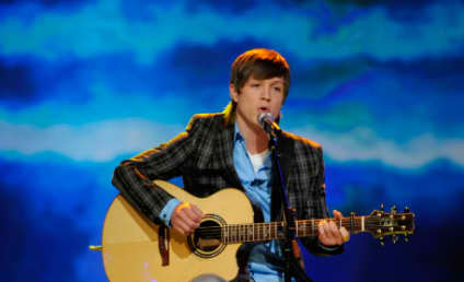 American Idol Says Goodbye to Lakisha Jones, Hello to Band Show