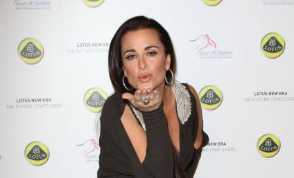 Kyle Richards to Write a Book for Some Reason