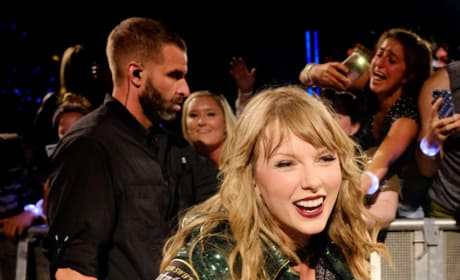 Taylor Swift with Her Fans