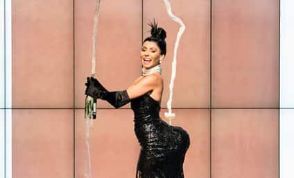 Kelly Ripa Channels Kim Kardashian for Halloween