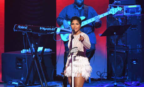 Toni Braxton: Hospitalized From Lupus Complications!