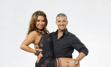 Sarah Palin to Attend, Bristol Palin to Tear Off Clothes on Dancing With the Stars