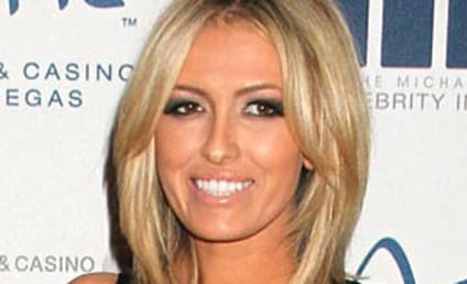 Paulina Gretzky: Dating Dustin Johnson!