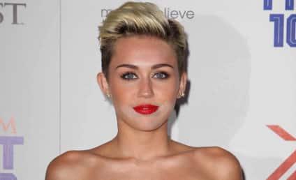 Miley Cyrus Makeup Mishap: Oops!