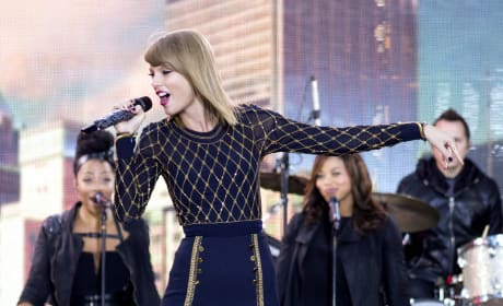 Taylor Swift GMA Pic