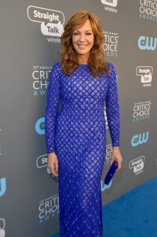 Allison janney loves sleeves
