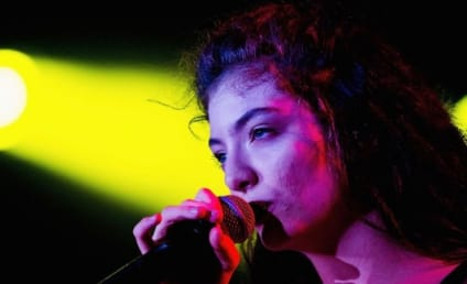 """Lorde, Nirvana Perform """"All Apologies"""" at Rock & Roll Hall of Fame Induction Ceremony"""