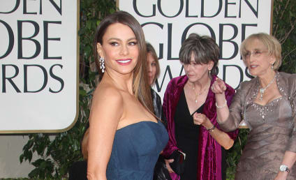 Golden Globes Fashion Face-Off: Sofia Vergara vs. Julie Bowen