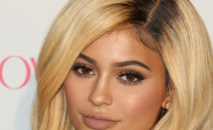 """Kylie Jenner: Has """"Gone Too Far"""" With Plastic Surgery, Top Doc Claims"""