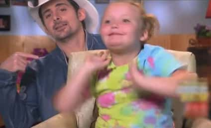 Brad Paisley Performs Here Comes Honey Boo Boo Theme Song