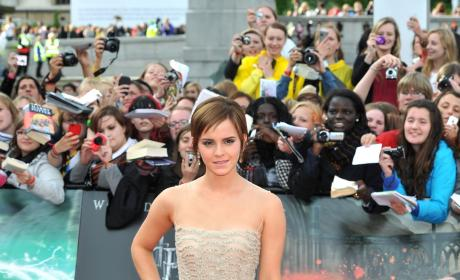 Who looked better at the Harry Potter premiere, Emma Watson or Evanna Lynch?