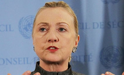 Hillary Clinton Faints, Suffers Concussion