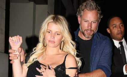 Jessica Simpson Caught Drunkenly Stumbling to Her Car! Again!