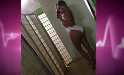 """Kim Kardashian Kriticized for Sexy Selfie, Told to Act """"Like a Mother"""""""