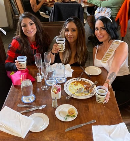 Angelina, Snooki and Dina