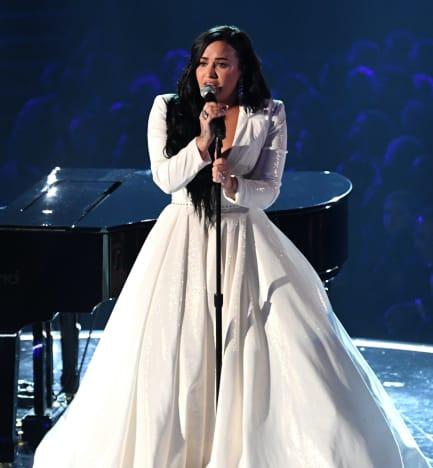 Demi Lovato Grammy Pic