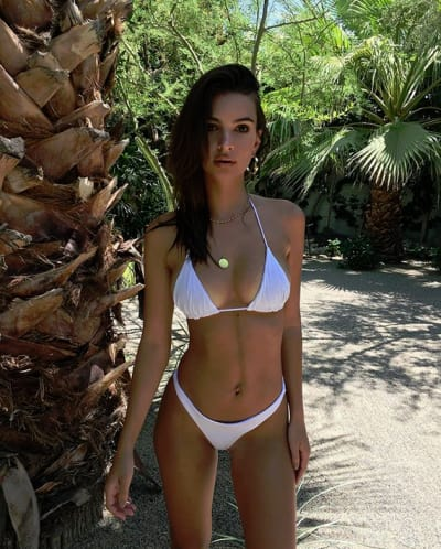 Emily Ratajkowski, Looking Hot in a White Bikini