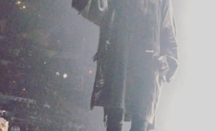 Kanye West Boots Concert Heckler, Asks: Do I Look Like a Comedian?!?