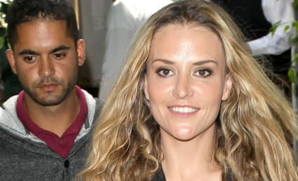 Jaron Lowenstein: Dating Brooke Mueller!