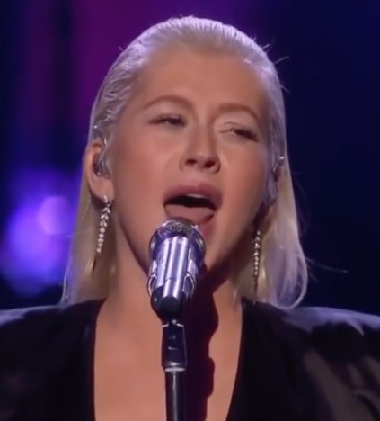 Christina Aguilera American Music Awards Performance