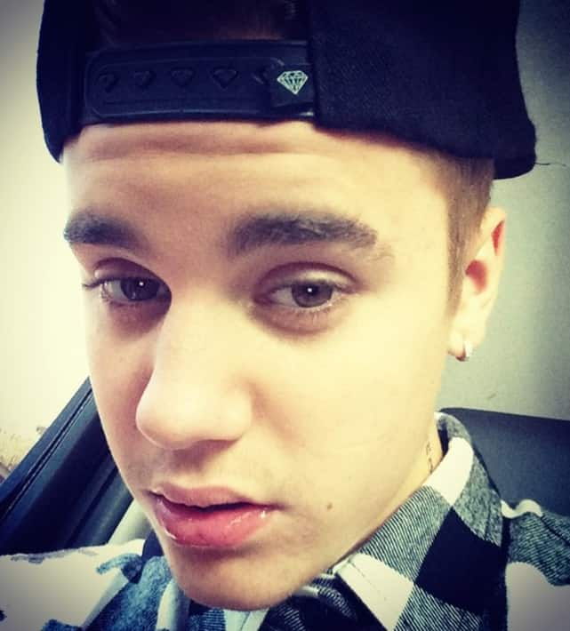 Extreme Justin Bieber Close Up
