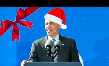 "President Obama ""Sings"" Jingle Bells in Another Hilarious Lip-Dub Video"