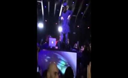 Justin Bieber Shocks Patrons with Nightclub Concert
