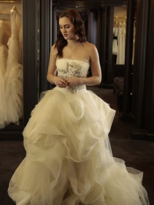 See Blair S Wedding Dress On Gossip Girl The Hollywood Gossip
