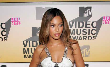 Beyonce 2006 VMAs
