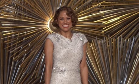 Stacey Dash Appears in Most Awkward Oscars Moment EVER