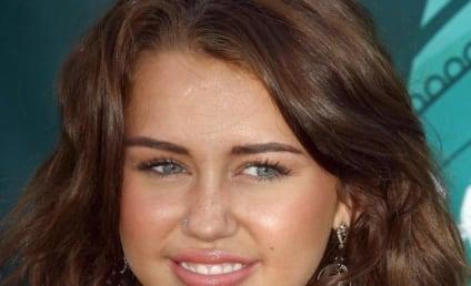Miley Cyrus to The Hollywood Gossip: THANK U!