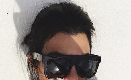 Kourtney Kardashian Cleavage Pic