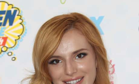 Bella Thorne at the Teen Choice Awards