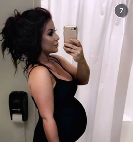 Chelsea Houska and Her Baby Bump