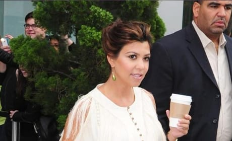 Kourtney Kardashian Maternity Fashion: We Love It!