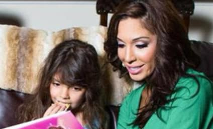 Farrah Abraham Reads Pro-Plastic Surgery Book to Daughter, Remains an Idiot