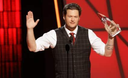 Blake Shelton to Officiate Kelly Clarkson-Brandon Blackstock Wedding!