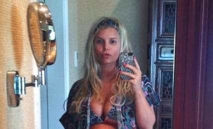 Jessica Simpson Bikini Photo of the Day: Naked Baby Bump Alert!