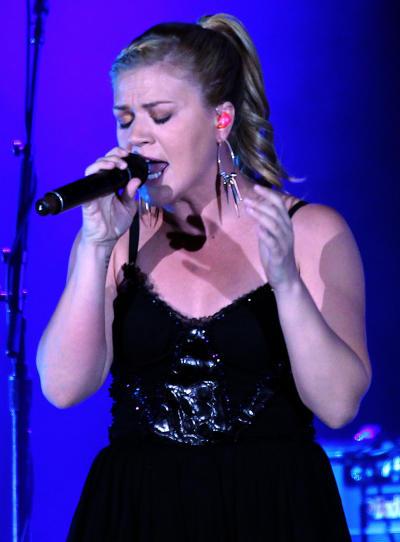 Kelly Clarkson in Vegas