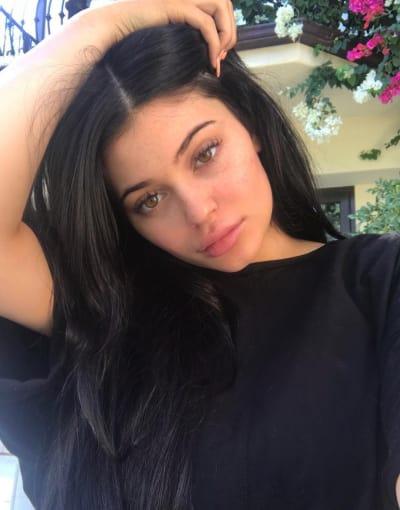 Kylie Jenner, Bare Face