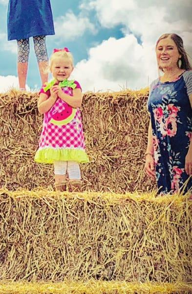 Anna Duggar Maternity Gown Zoom