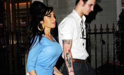 Amy Winehouse Steps Out with Blake Fielder-Civil