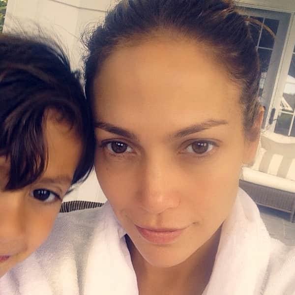 Jennifer Lopez with No Makeup