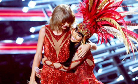 Nicki Minaj and Taylor Swift Open 2015 MTV Video Music Awards